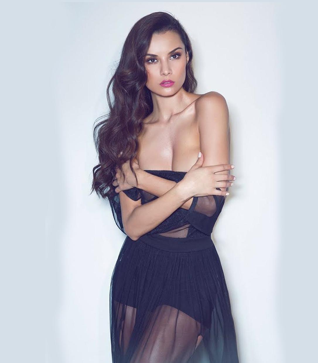 Penelope Saenz Nude Photos 9